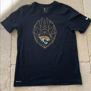 The Nike Tee NFL Apparel Dri-Fit Shirt Medium